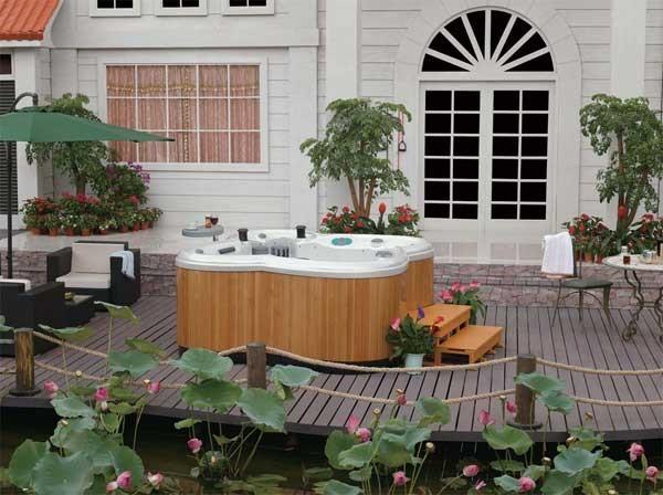 Außenwhirlpool Wasserlilie 532